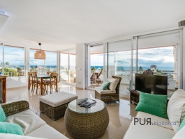 Puerto Portals. A place of longing for many. An apartment with a panoramic view.