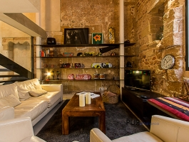 The old town apartment. As you have always imagined. 15th century meets modernity.