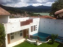 Hermosa Residencia a la Venta en el centro de Valle de Bravo