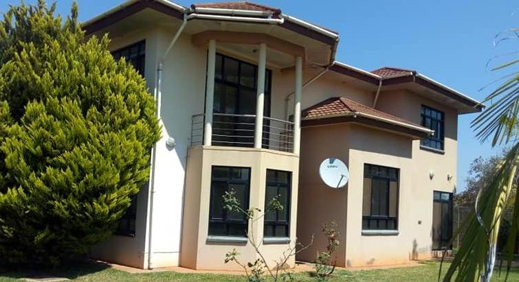 DUPLEX STAND ALONE FOR RENT IN WOODLANDS BREANTWOOD NEAR STATE HOUSE!!!