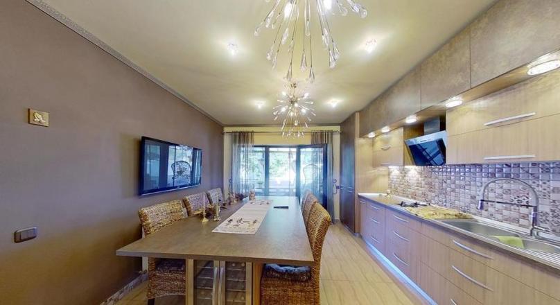 I LUXury Class Properties, Brasov