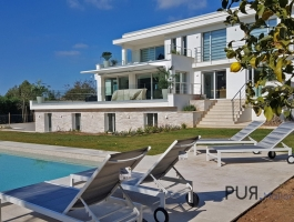 Santa Ponsa. Villa. Completely renovated. With high quality materials.