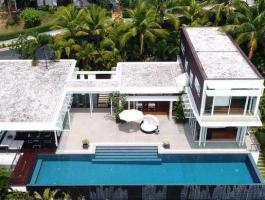 LUXURY 4 Bedroom Pool Villa Stunning Ocean View!