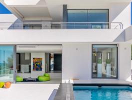 Modern luxury villa for sale in El Portet de Moraira with sea views