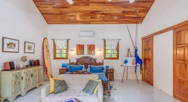 4 rooms - 5 minutes walk to the beach