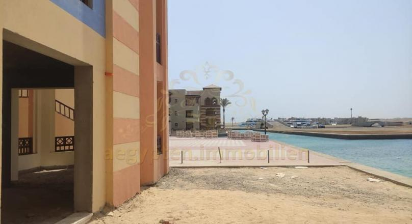 A Restaurant & Bar is available for sale directly on the marina in Marina