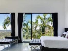 Phuket Quality Real Estate offers for sale this ultra luxurious 8 bedroom