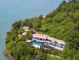 7-bedroom villa accommodation in a world class oceanfront location