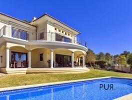 Cala Vinyes. Villa. Sea view. Vacation rental license. Any questions?